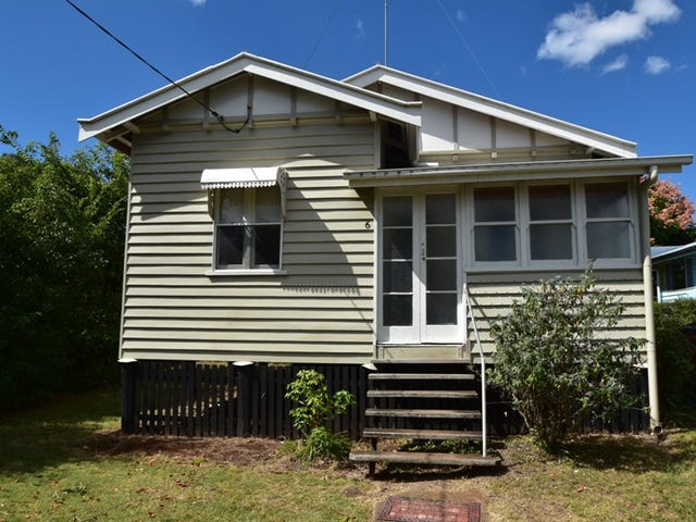 6 Parkinson Street, South Toowoomba, Qld 4350