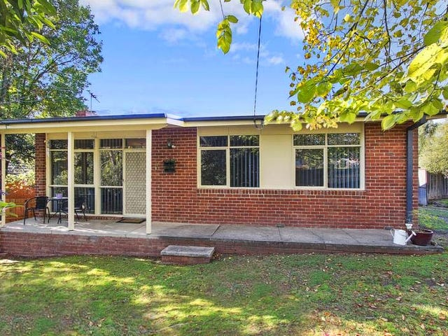 11 Warnes Road, Mitcham, Vic 3132