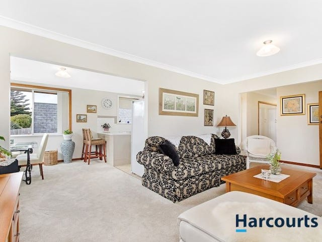 9 Churchill Avenue, Upper Burnie, Tas 7320