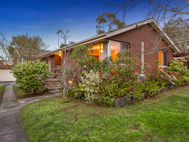 8 PARK HILL DRIVE, Ringwood North, Vic 3134