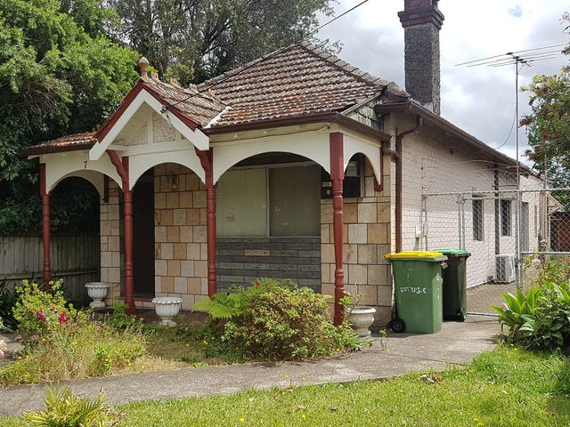 7 LOFTUS CRES, Homebush, NSW 2140