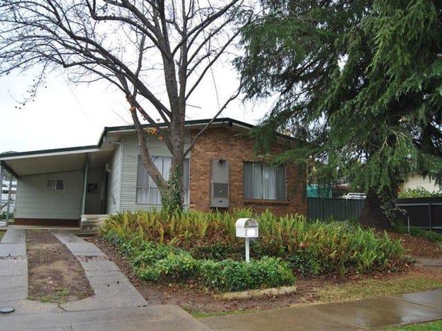 32 Boronia St, Kooringal, NSW 2650