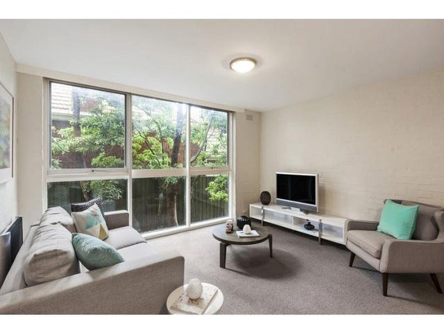 2/83 Mathoura Road, Toorak, Vic 3142