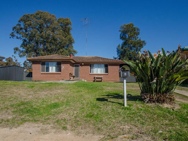 8 Hoyle Place, South Penrith, NSW 2750