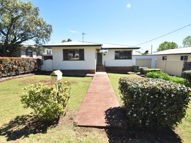 23 Dalgleish Street, South Toowoomba, Qld 4350