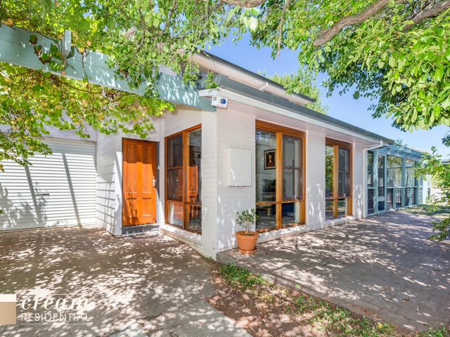 16 Robertson Street, Curtin, ACT 2605