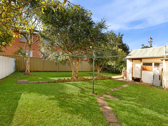 1/4 Reserve Street, West Wollongong, NSW 2500