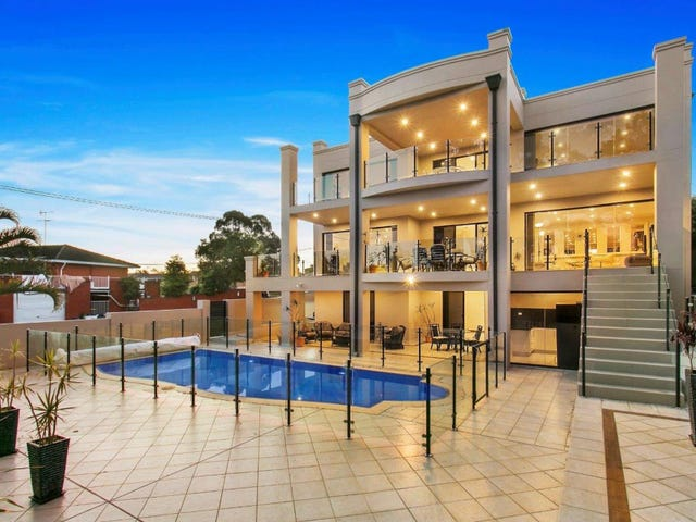30 Old Taren Point Road, Taren Point, NSW 2229