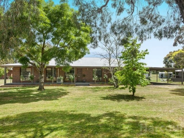 128 Hayes Drive, Smythes Creek, Vic 3351