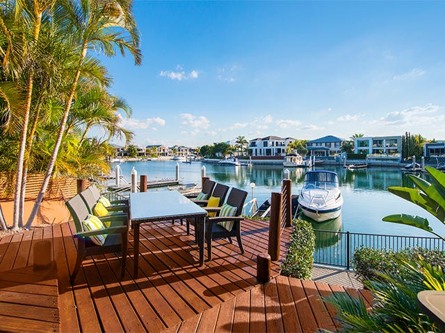 17 King Charles Drive, Sovereign Islands, Qld 4216