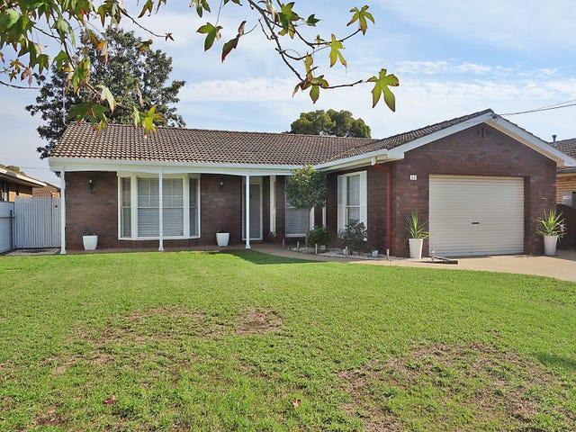 14 Eyre Street, Lake Albert, NSW 2650