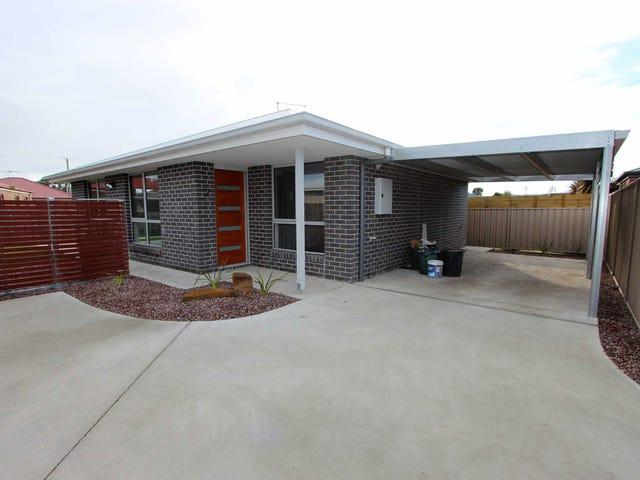 2/12  Douglas Court, Port Sorell, Tas 7307