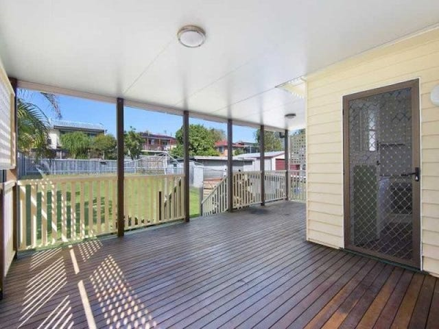 28 Main Avenue, Wavell Heights, Qld 4012