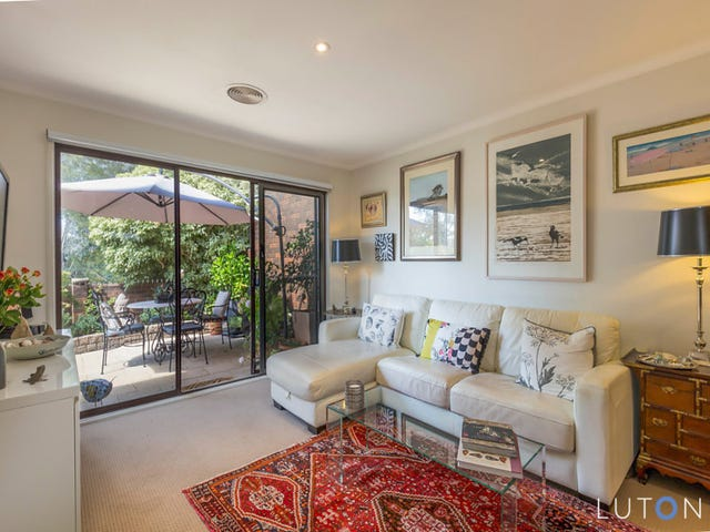 1/1 Rowe Place, Phillip, ACT 2606