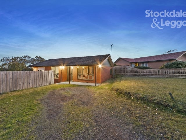 1 William Perry Close, Endeavour Hills, Vic 3802