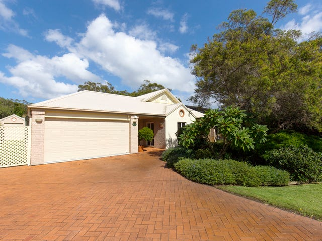 14 Moola Street, Hawks Nest, NSW 2324