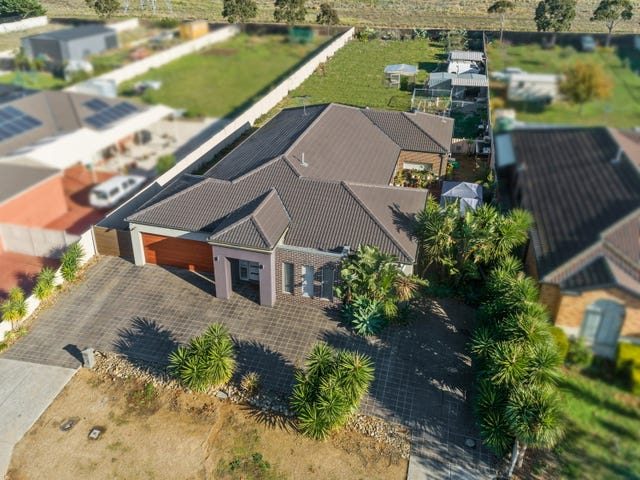 12 Knight Court, Hillside, Vic 3037