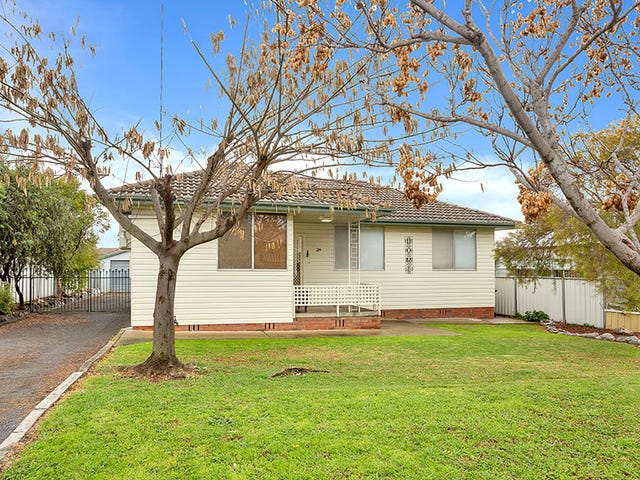 24 Holland Street, Tamworth, NSW 2340