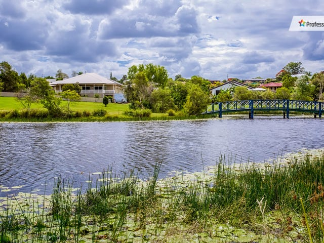 17 Willow Grove Road, Southside, Qld 4570
