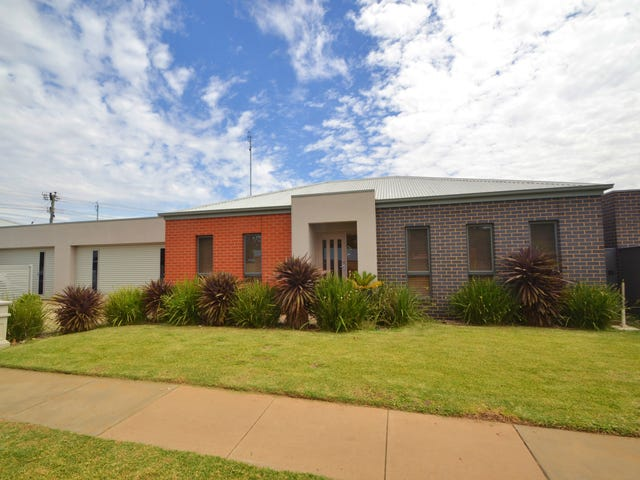 2/1 Jacana Avenue, Moama, NSW 2731