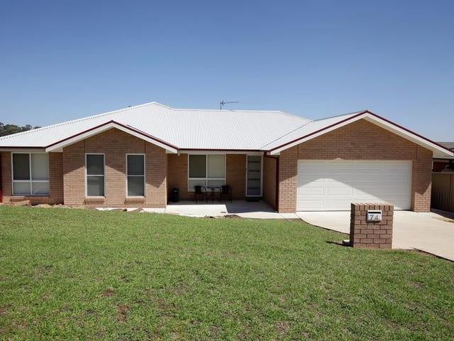 74 Kaloona Drive, Bourkelands, NSW 2650