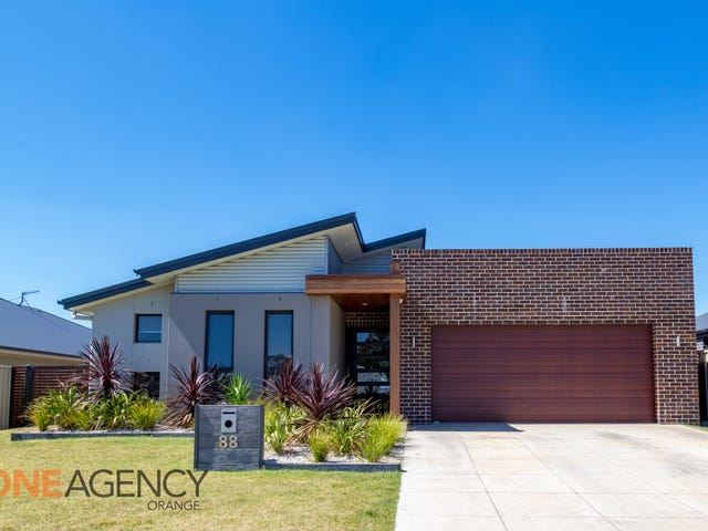 88 William Maker Drive, Orange, NSW 2800