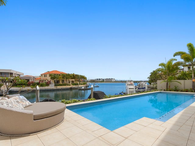12 Queen Anne Court, Sovereign Islands, Qld 4216