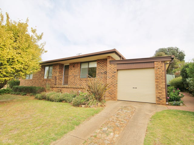 9 Charles Crescent, Young, NSW 2594