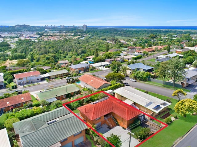 11 Oyster Point Road, Banora Point, NSW 2486