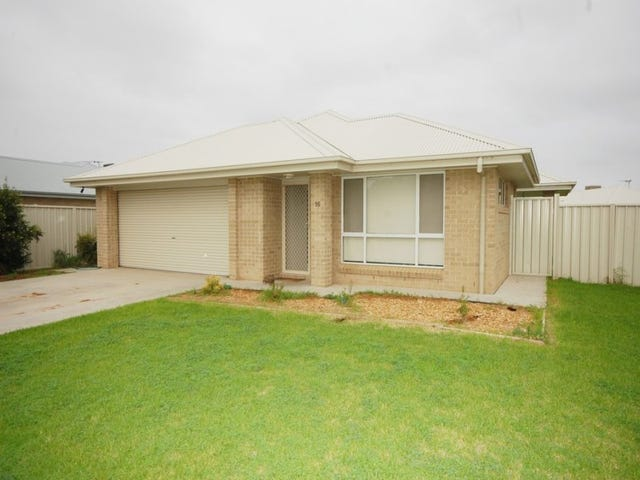 16 Spence Road, Griffith, NSW 2680