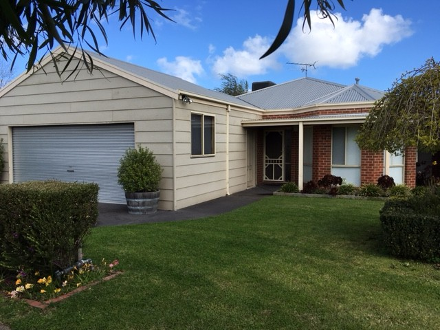 14 Falkirk Place, Leopold, Vic 3224