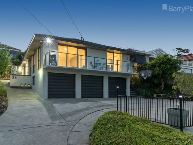 38 Culzean Crescent, Highton, Vic 3216