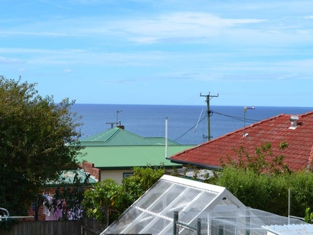 Unit 2/19 Malunna Crescent, Parklands, Tas 7320