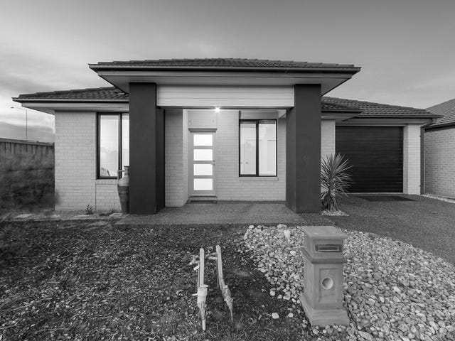 7 Reina Court, Clyde North, Vic 3978