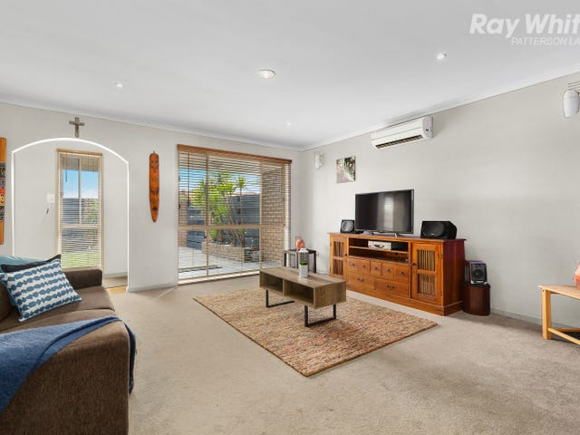 2/1A Gladesville Boulevard, Patterson Lakes, Vic 3197