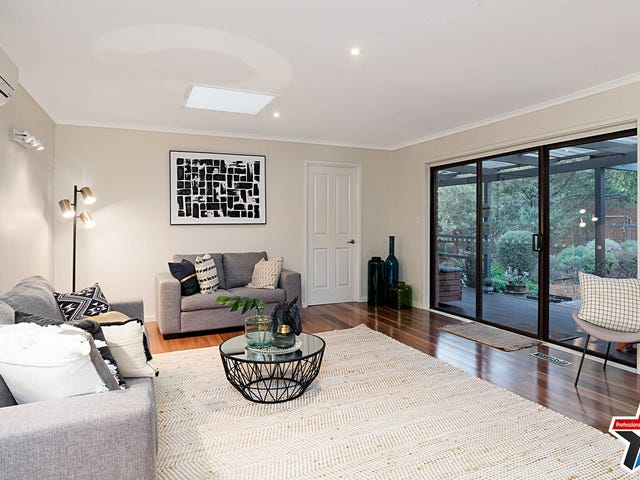 34 Mountain Drive, Mooroolbark, Vic 3138