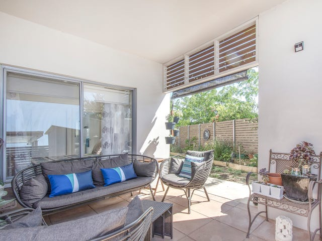 1/8 Jeff Snell Crescent, Dunlop, ACT 2615