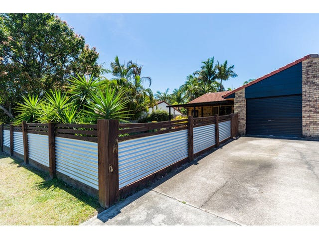 2/5 Orkney Place, Labrador, Qld 4215