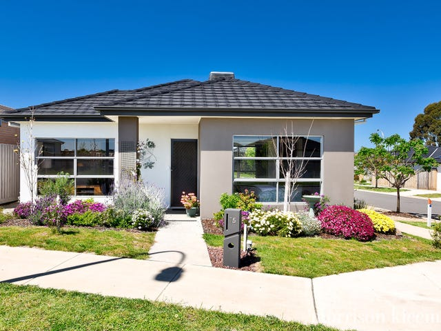 15 Windermere Parade, Doreen, Vic 3754