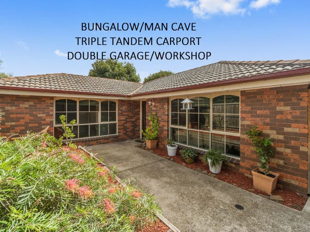 24 Deanswood Drive, Somerville, Vic 3912