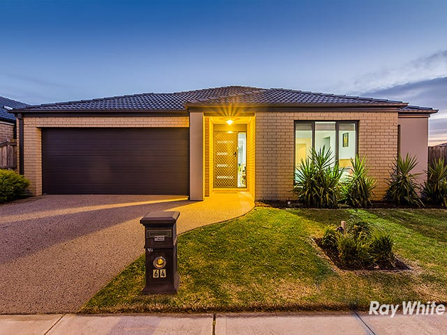 64 Frankland Street, Clyde North, Vic 3978