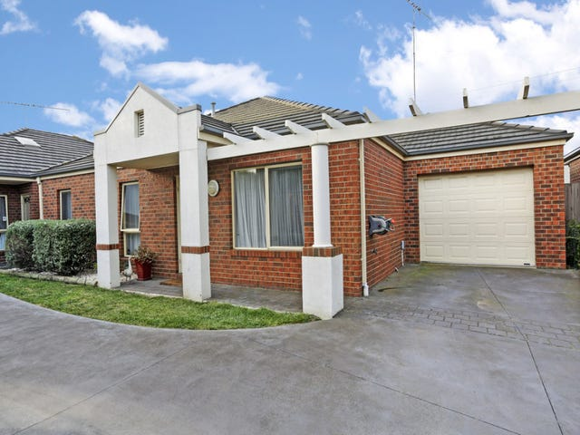 2/11 Cedarville Close, Highton, Vic 3216