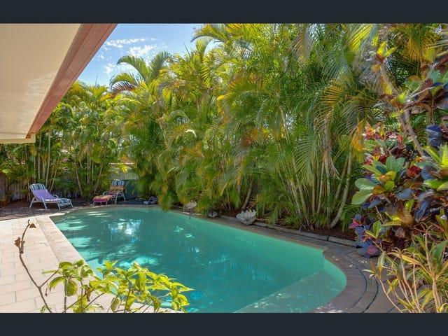 311 Rio Vista Boulevard, Mermaid Waters, Qld 4218