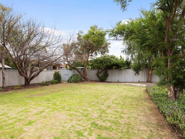 11 Whitcombe Way, Alexander Heights, WA 6064