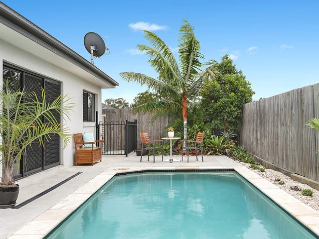 33 Trinity Crescent, Augustine Heights, Qld 4300