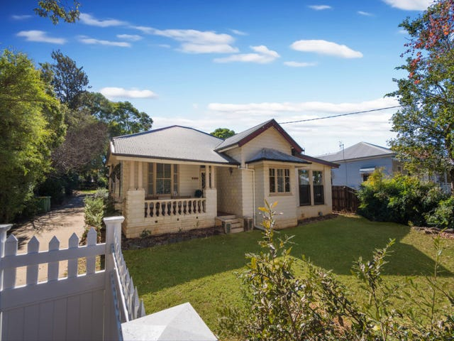 75 Bridge Street, Mount Lofty, Qld 4350