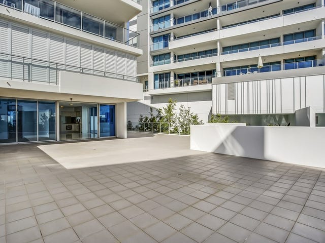 104/41 Harbour Town Drive, Biggera Waters, Qld 4216