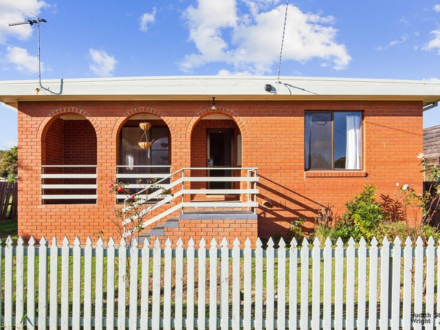 29 Irving Road, Cowes, Vic 3922