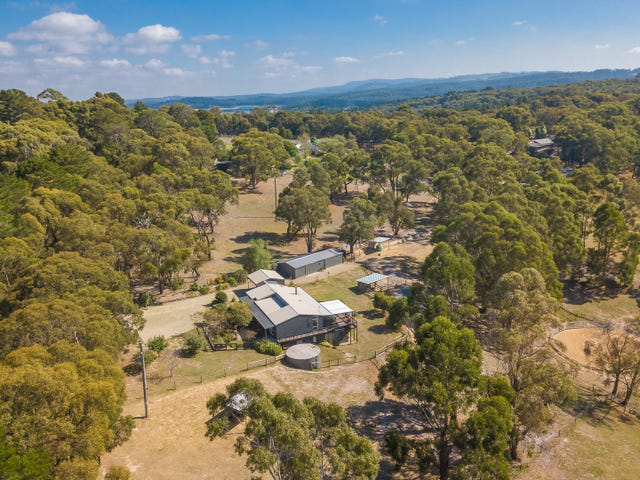 23 Downey Road, Dewhurst, Vic 3808
