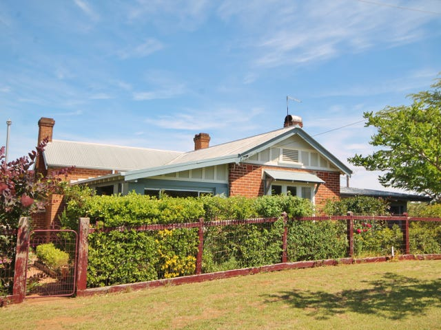 19 Taylor Road, Young, NSW 2594